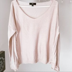 Super cute light pink sweater🌸